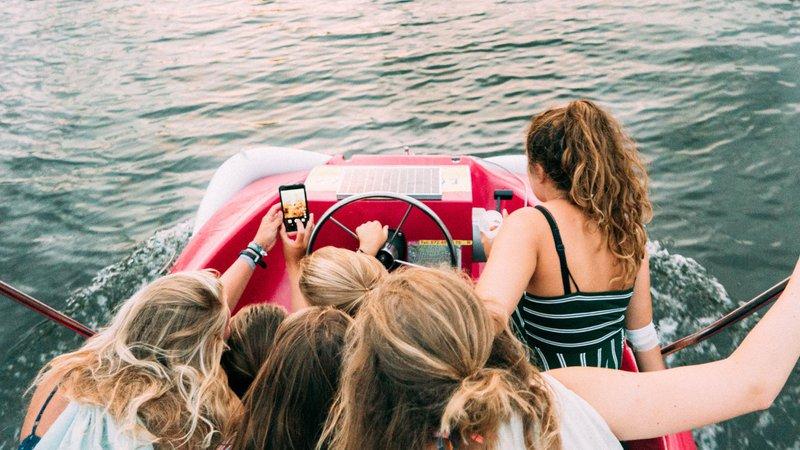 Strategi menambah follower Instagram harus menjadikan anak muda sebagai prioritas